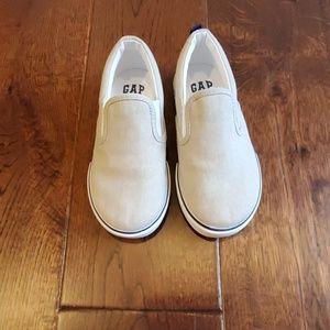 Gap boys khaki slip-on sneakers size 11